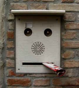 Faces-Found-In-Everyday-Objects1
